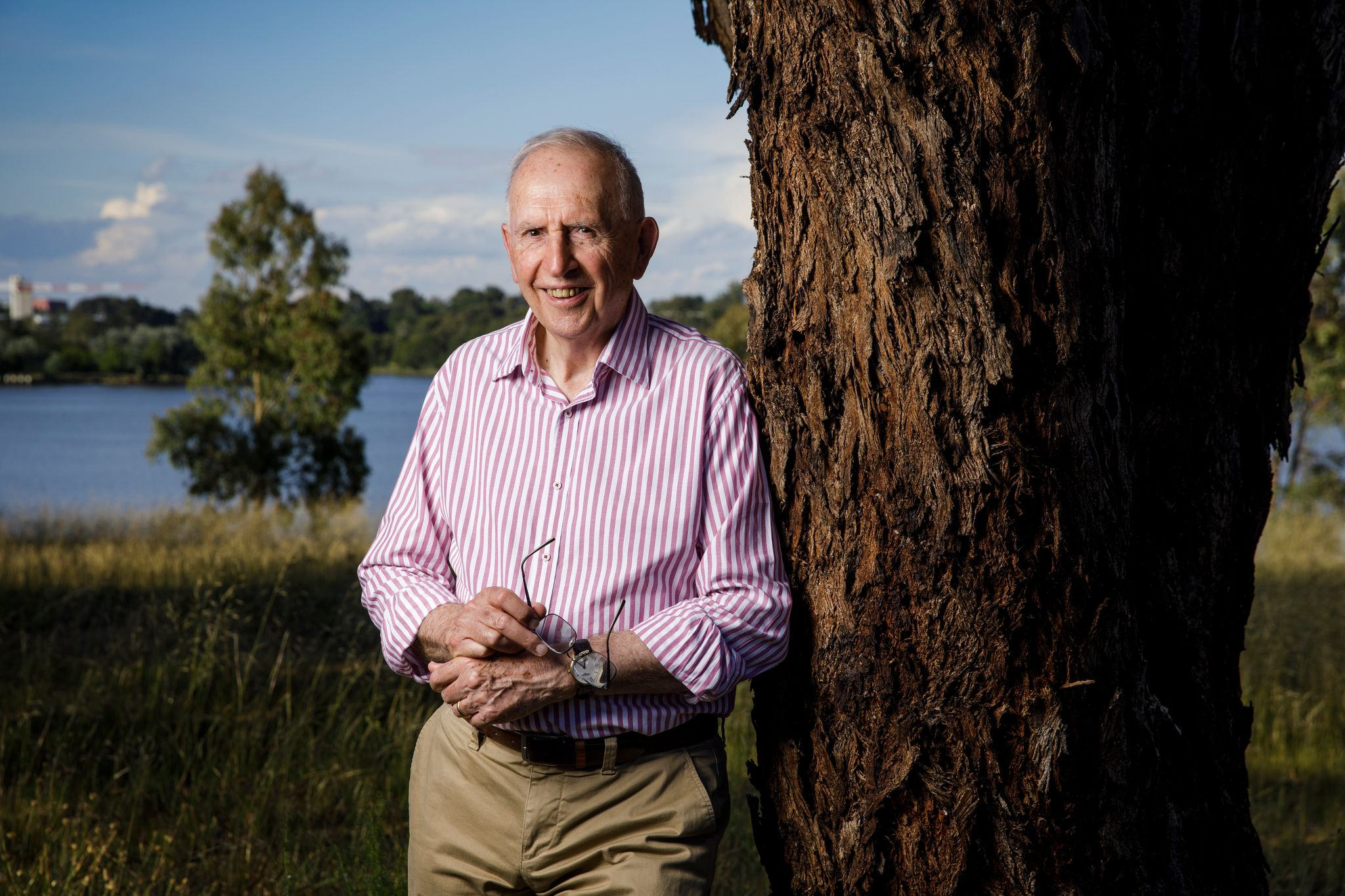 Hugh Mackay photo.jpeg